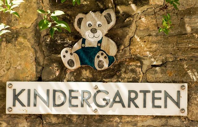 kindergarten-871111_640